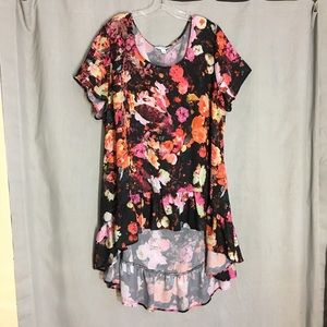 JCPENNEY Boutique Floral High Low Tunic Size 2X